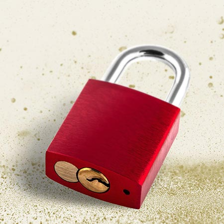 Top seller: Red love lock including engraving